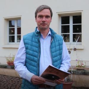 Steffen Amme auf dem Hof vor Gut Mößlitz
