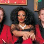 Gruppenbild der Performer Niels von der Leyen, Alicia Berg und Andreas Bock